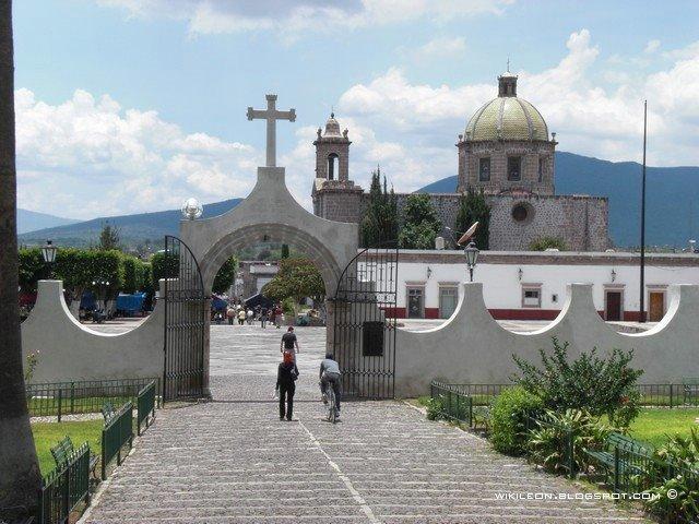 Pueblos Mágicos: Cuitzeo, Mich.