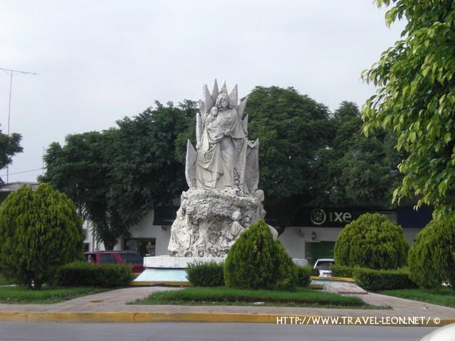 Leyenda del Monumento a la Madre en León