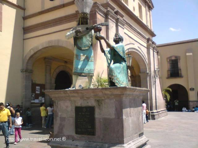 Alcantarilla del Indio Triste en el Centro de Querétaro